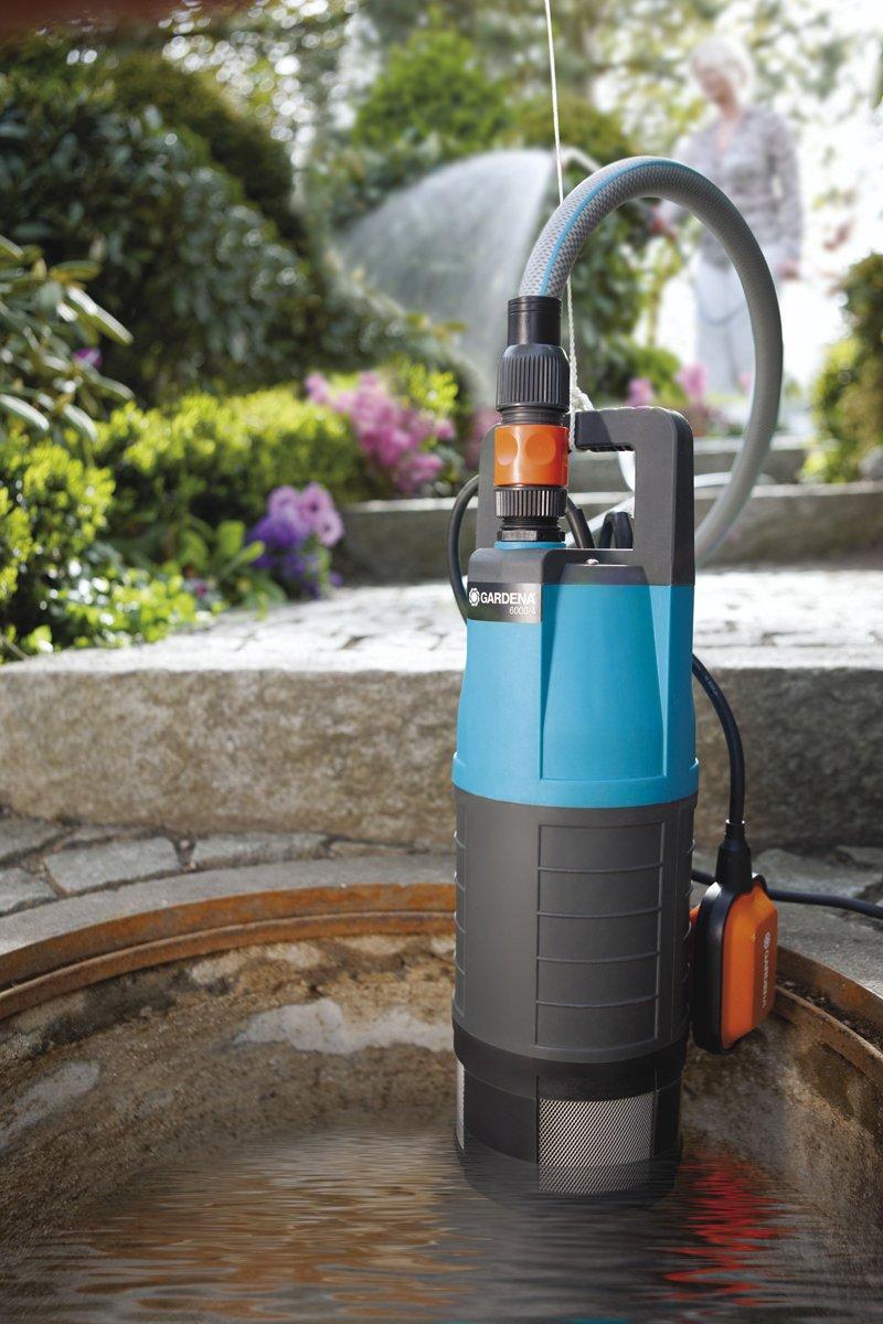 1468-20 incl cuerda de sujeci/ón Bomba sumergible a presi/ón 6000//4 Classic de GARDENA: potente bomba sumergible con caudal de 6000/l//h de acero inoxidable con protecci/ón de funcionamiento en seco