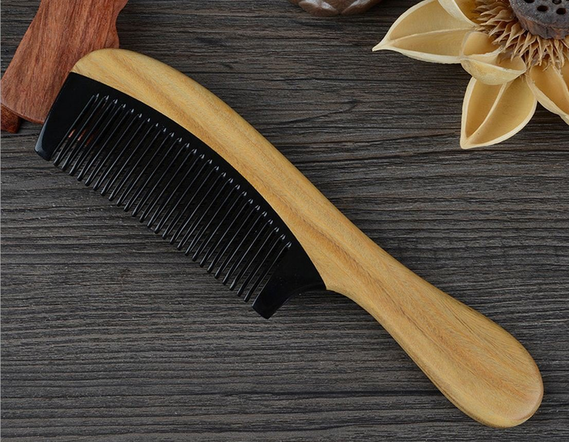 Meta-C Black Buffalo Horn Hair Comb with Sandalwood Round Handle