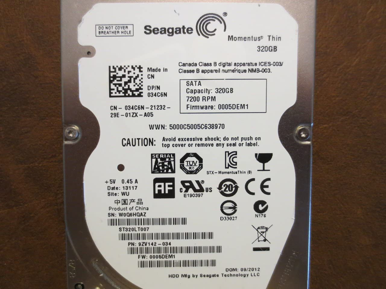 9ZV142-034 F//W Seagate ST320LT007 P//N 0005DEM1 WU 320GB