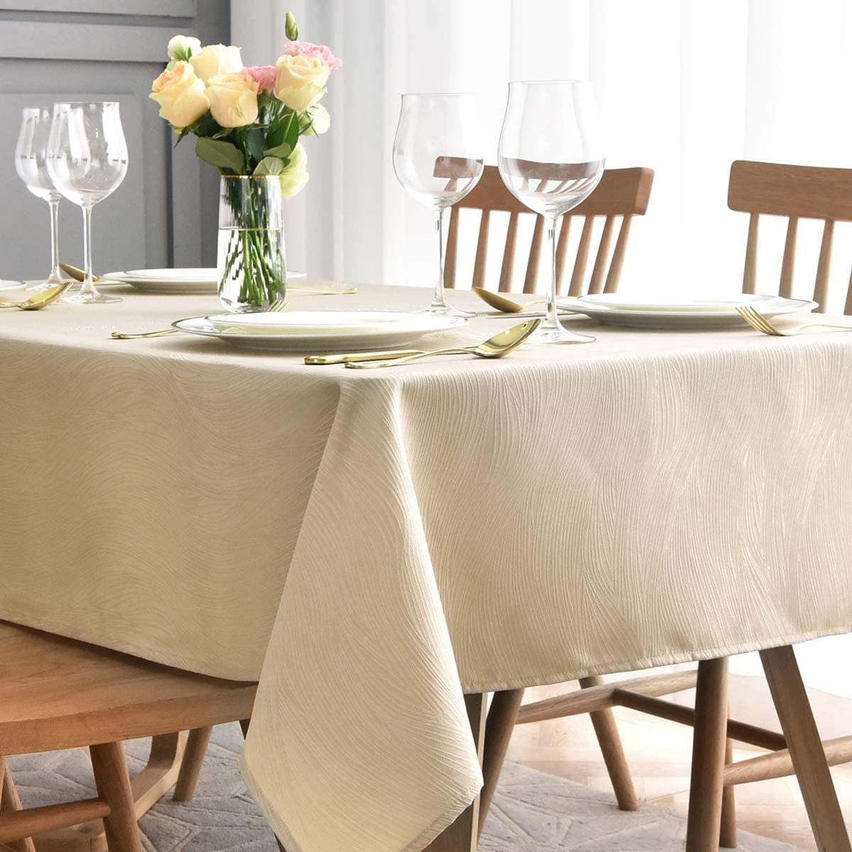 maxmill Jacquard Table Cloth Swirl Pattern Spillproof Wrinkle Resistant Oil Proof Heavy Weight Soft Tablecloth for Kitchen Dinning Tabletop Outdoor Picnic Rectangle 52 x 70 Inch Beige