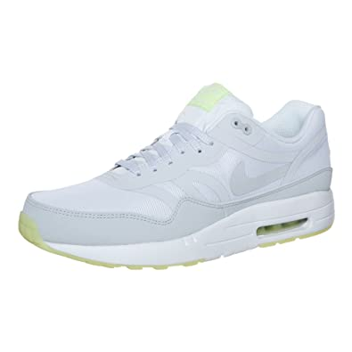 more photos 70b68 8f2de Nike Men s Air max 1 premium tape Trainers Gray grey blanco white Size 40   Amazon.co.uk  Sports   Outdoors