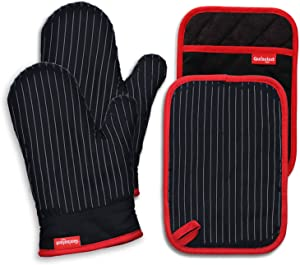 Coziselect Oven Mitts and Pot Holders Set, with Heat Resistance of Silicone, Flexibility of Pure Cotton and Terrycloth Lining, 480 F Heat Resistant, Black