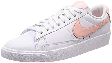 check out b4ea2 da338 Amazon.com | Nike Women's Blazer Low LE | Shoes