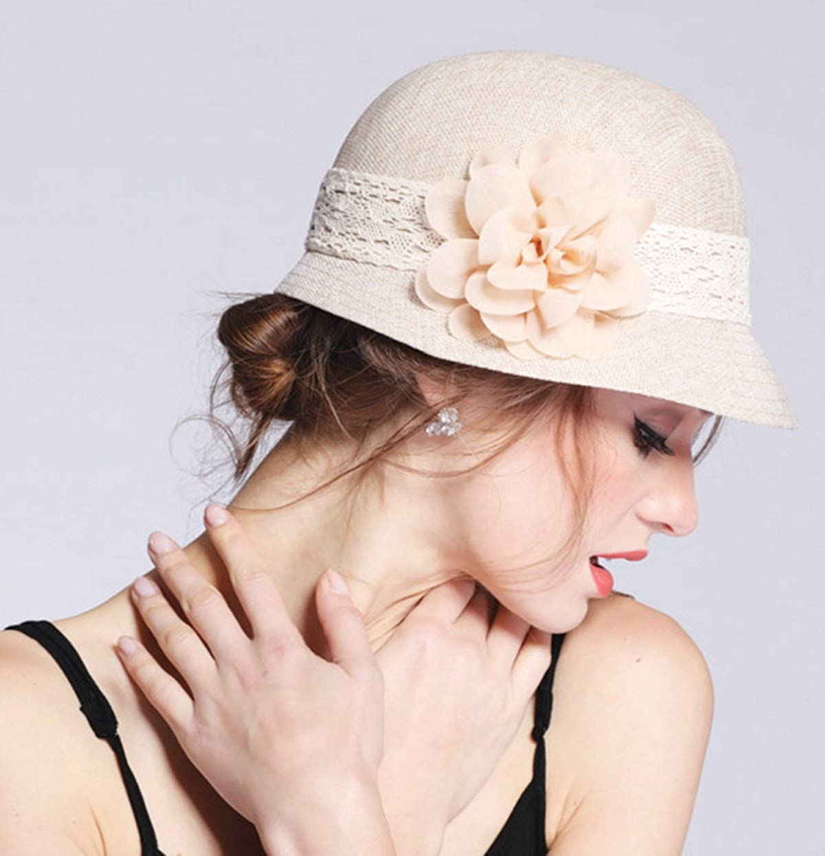 b2276255536da Epoch Women s Gatsby Linen Cloche Hat With Lace Band and Flower - Black at  Amazon Women s Clothing store