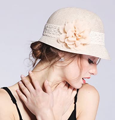 eaed57c0b70 Epoch Women s Gatsby Linen Cloche Hat With Lace Band and Flower - Black at  Amazon Women s Clothing store