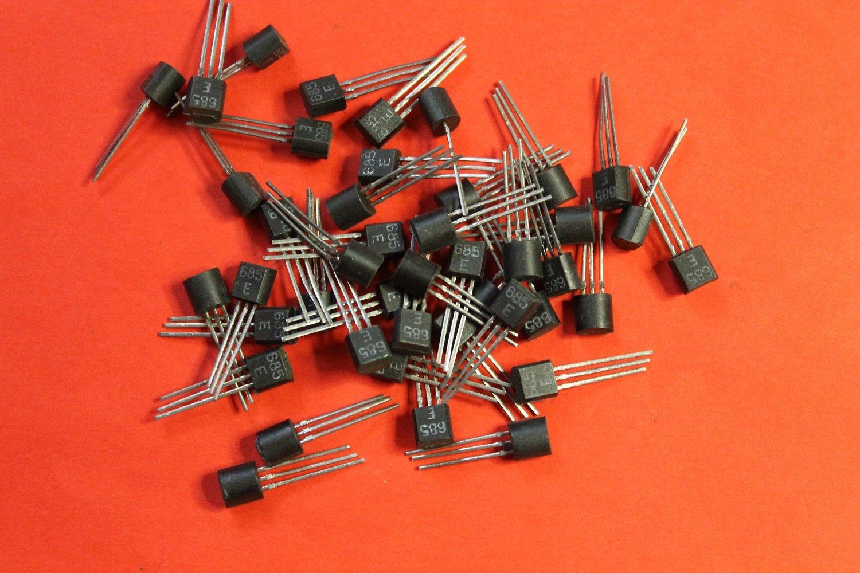 S.U.R. & R Tools KT685E analoge PN3638, PN5143, KM9012 transistor silicon USSR 20 pcs