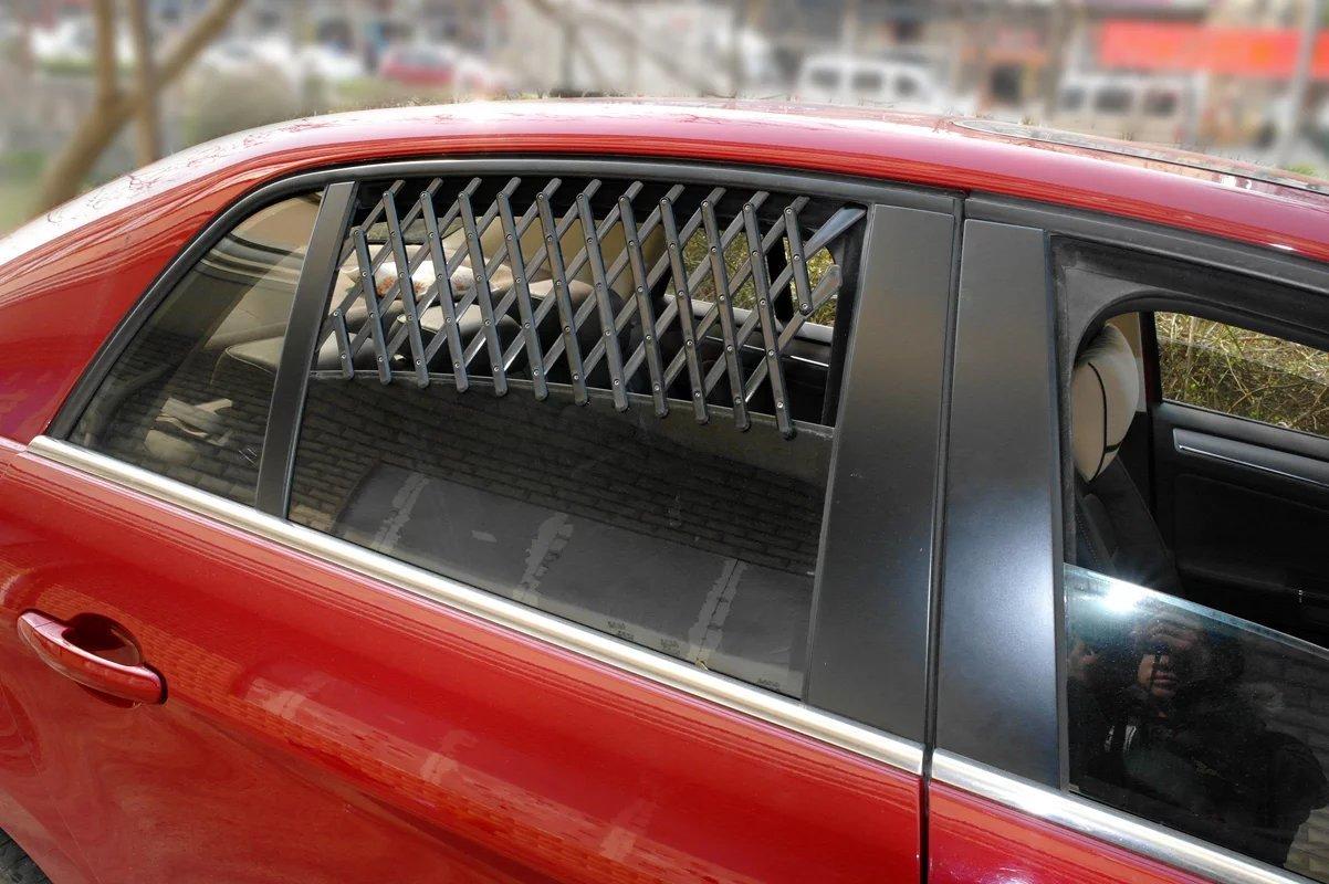 (L, Black) Beirui Universal Car Window Travel Vent Pet Dog Puppy Ventilation Grill Mesh Vent Guard Black