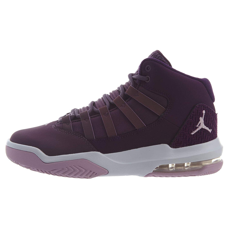 100% authentic 2ff82 ce462 Amazon.com: Jordan Max Aura (Kids): Shoes
