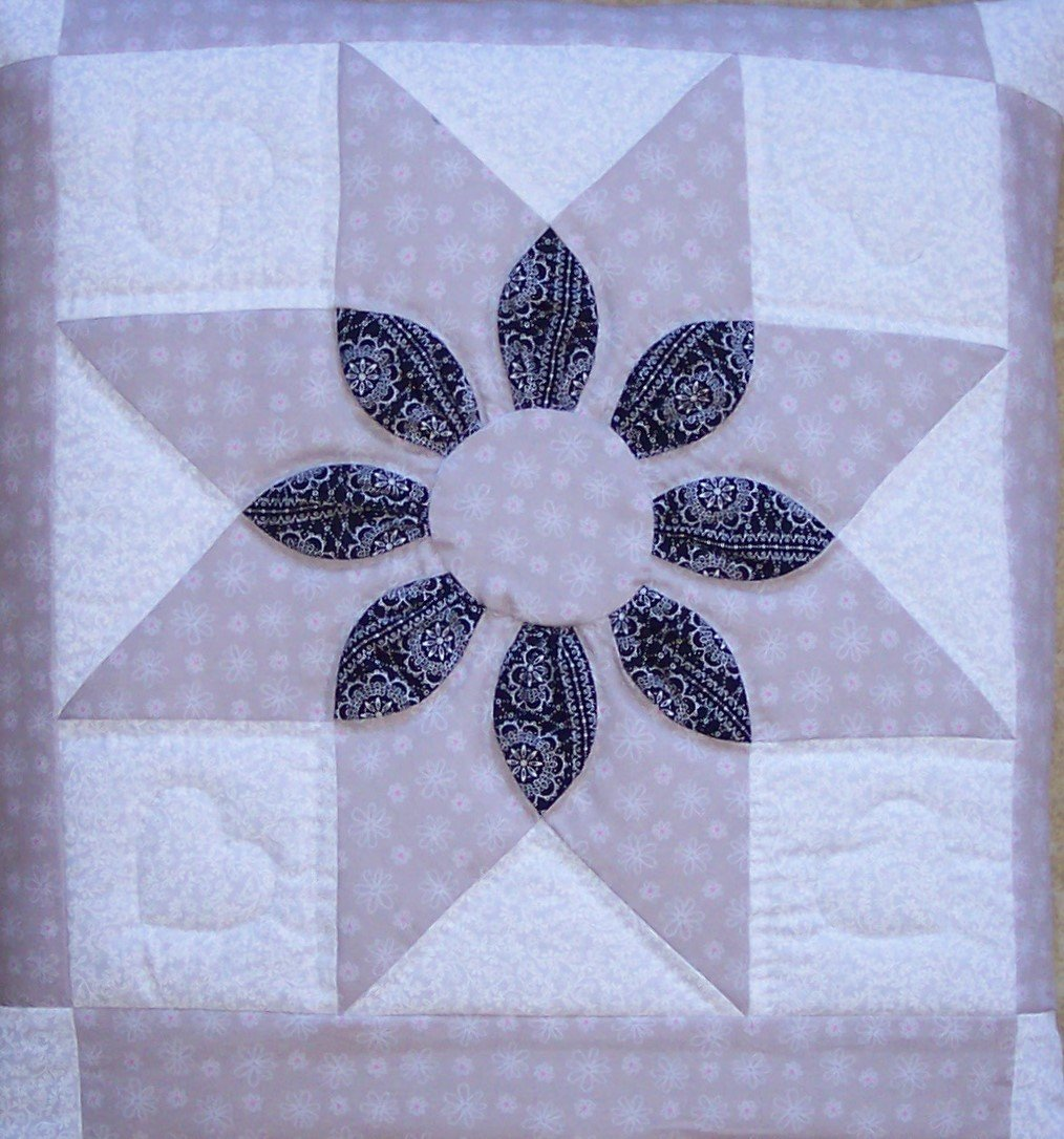 Quillow (Quilt/Pillow Combo) Dahlia MM #4 Amish Handmade in USA
