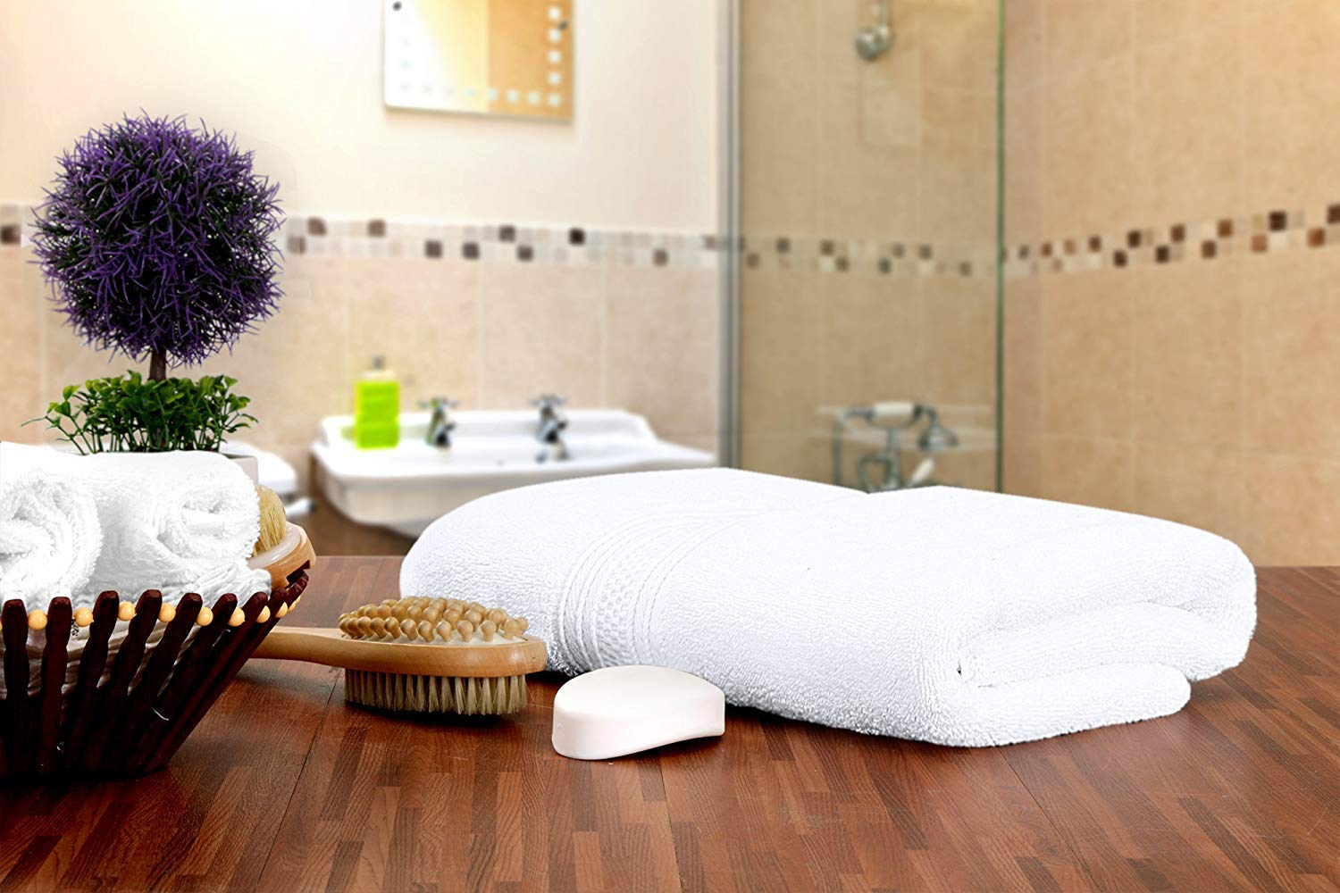 Utopia Towels Pack of 24-700 GSM Premium Cotton Bath Towel (White, 27 x 54 Inches) Luxury Bath Sheet Perfect for Home, Bathrooms, Pool and Gym Ring-Spun Cotton (White) by Utopia Towels (Image #6)