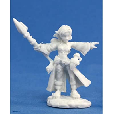 Reaper Miniatures Cassie, Gnome Wizard #77031 Bones Unpainted Plastic Figure: Toys & Games