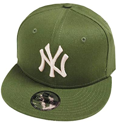 d167e43a161 New Era York Yankees League Essential Rifle Green 9fifty 950 Child Snapback  Cap Kids Kinder Children  Amazon.co.uk  Clothing