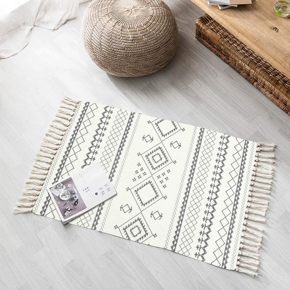 LEEVAN Moroccan Cotton Area Rug,Hand Woven Cream Chic Diamond Print Tassels Throw Rugs Door Mat,Indoor Area Rugs for Bathroom,Bedroom,Living Room,Laundry