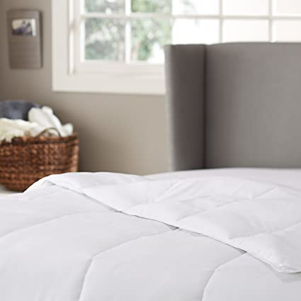 Pinzon Hypoallergenic Down Alternative Year Round Comforter - King