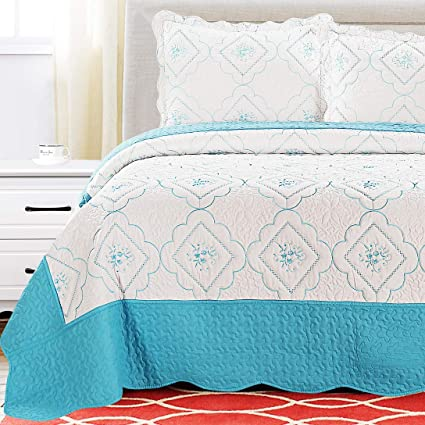 3Pcs Summer Bedspreads Full/Queen Size Embroidery Floral Quilts Lightweight  Coverlet Set Reversible Quilts Set,White Blue