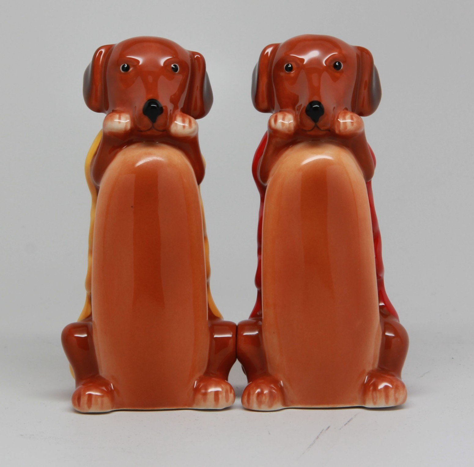 Weiner InchHot Inch Dog in Bun 3 Inch Ceramic Magnetic Salt and Pepper Shaker Set Fun Novelty Gift