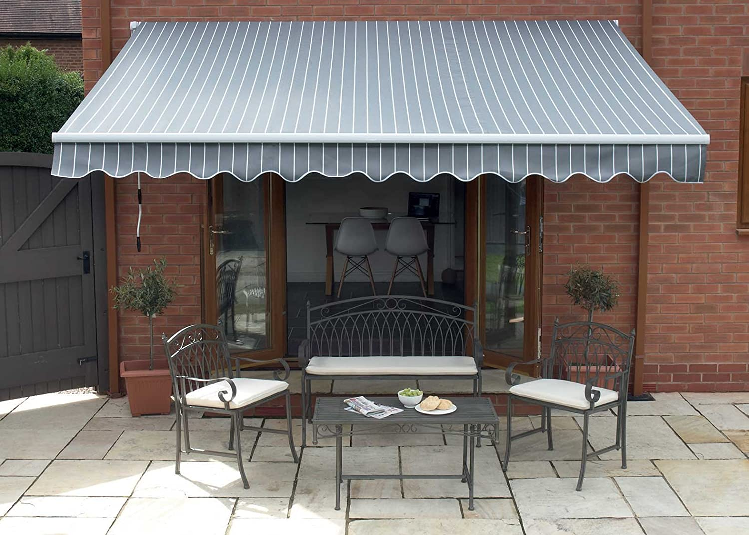 2.5m Patio Awning. Easy to Fitting Canopy: Grey and White Stripe Berkeley Retractable Awning Greenhurst 4317