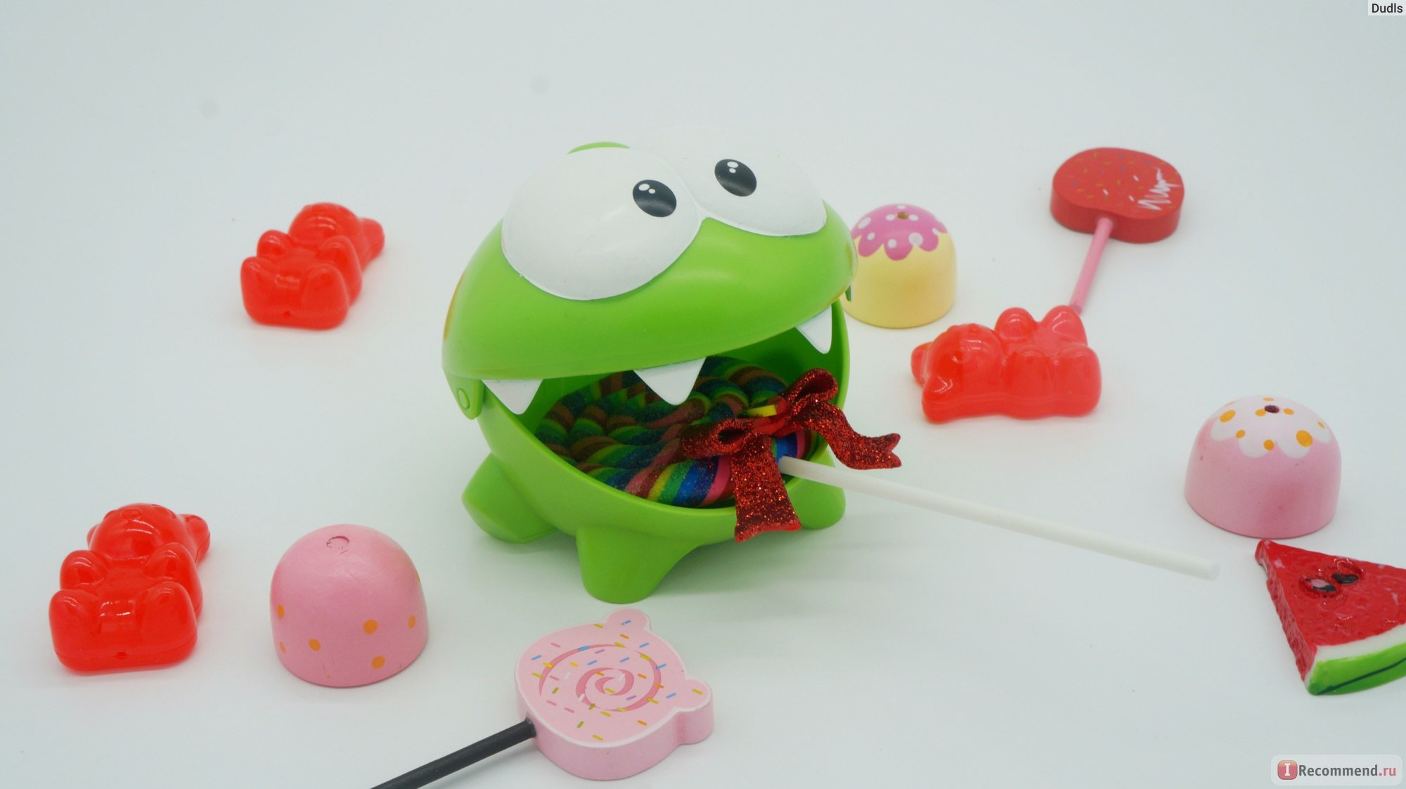 Om Nom СUT THE ROPE PLASTIC TOY Fruit Lunch box -Om Nom open mouth - Cut The Rope Figures-Cut the Rope Stuffed Animal-Cut The Rope Toys - Nommies-om nom frog-cut the rope magic -Om-nom Figure Plastic