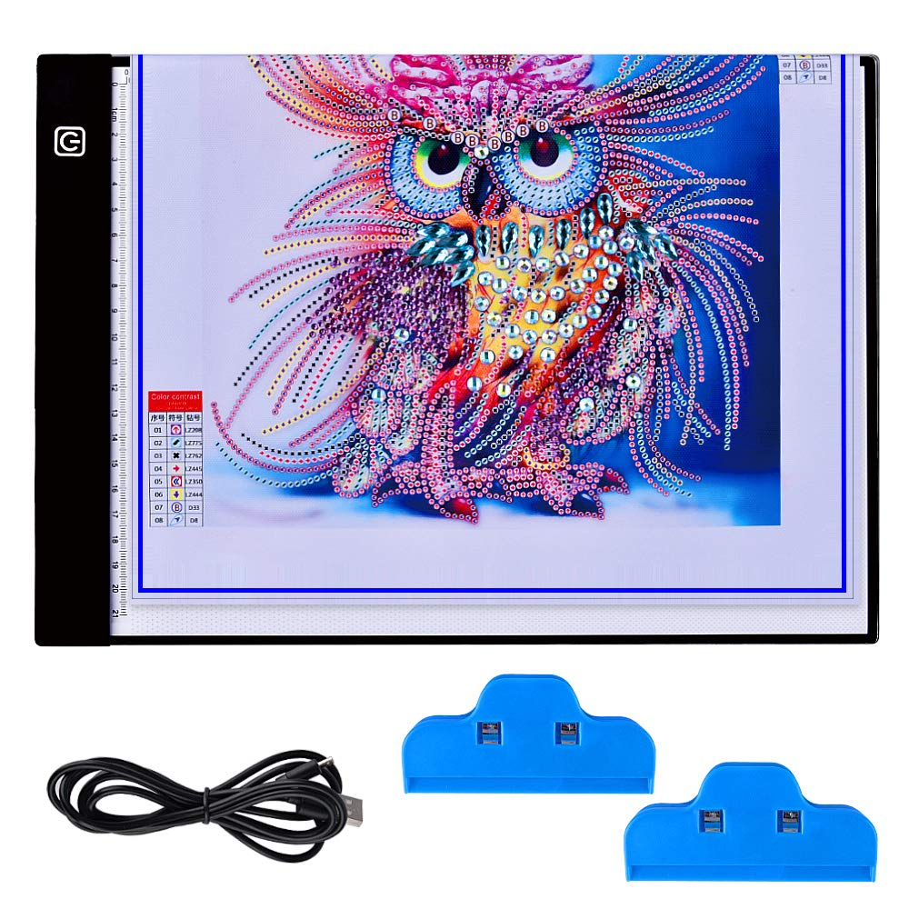 5D Lavagna Luminosa Ultra Sottile LED, Hisomo Ultrasottile 3,5 Millimetri A4 USB LED Tablet Tracer per Disegno, Disegno, Pittura Diamante Artcraft Tattoo Acquerello Copia Quilting Tracing da Numero Kit Con 2 Clip Hisome