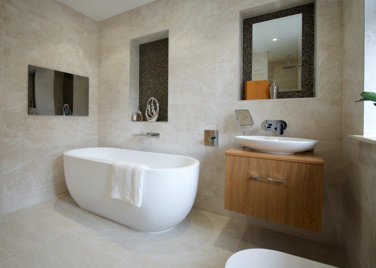 19 Inch Watervue Waterproof Bathroom TV, LG LED Screen: Amazon.co.uk:  Electronics