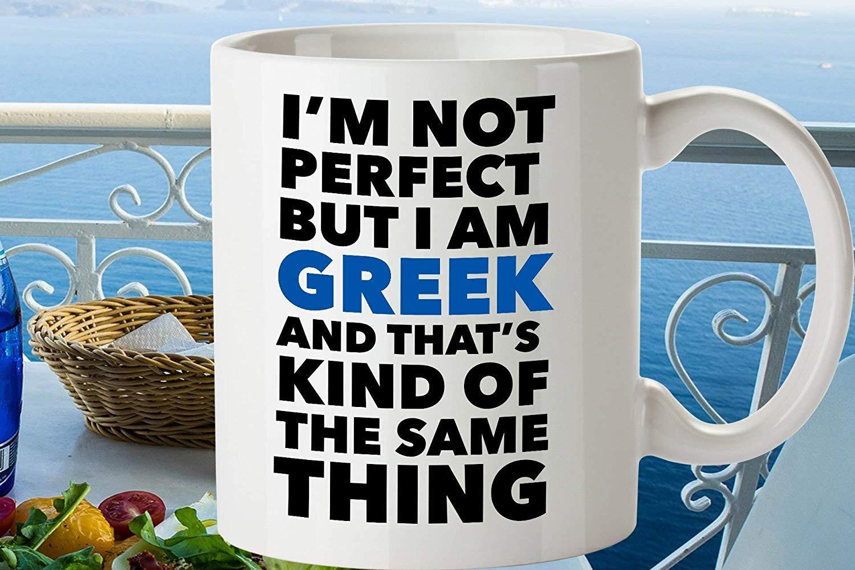 Im Not Perfect But I am Greek マグ おもしろギリシャギフト ギリシャの誇り ギリシャのコーヒーカップ パプー ギフトに イアヤへのギフト ギリシャの友人に 11オンス コーヒーマグ メンズ レディース B07KCV2QX5