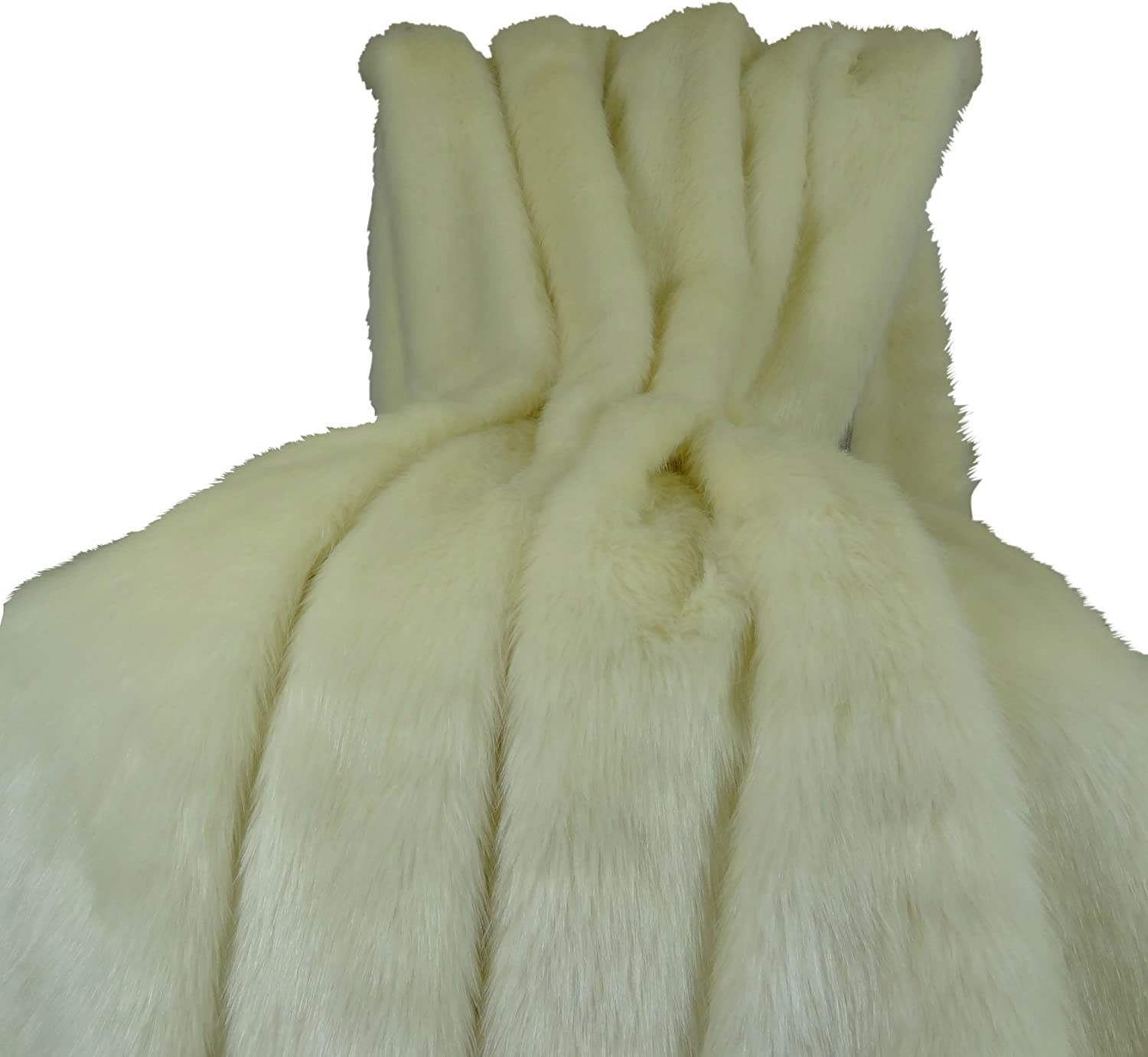 Amazon Com Thomas Collection Arctic Fox Faux Fur Throw Blanket Bedspread Arctic Creamy White Arctic Fox Fur Luxury Soft Fox Faux Fur Heavy Throw Made In Us 16414 Home Kitchen