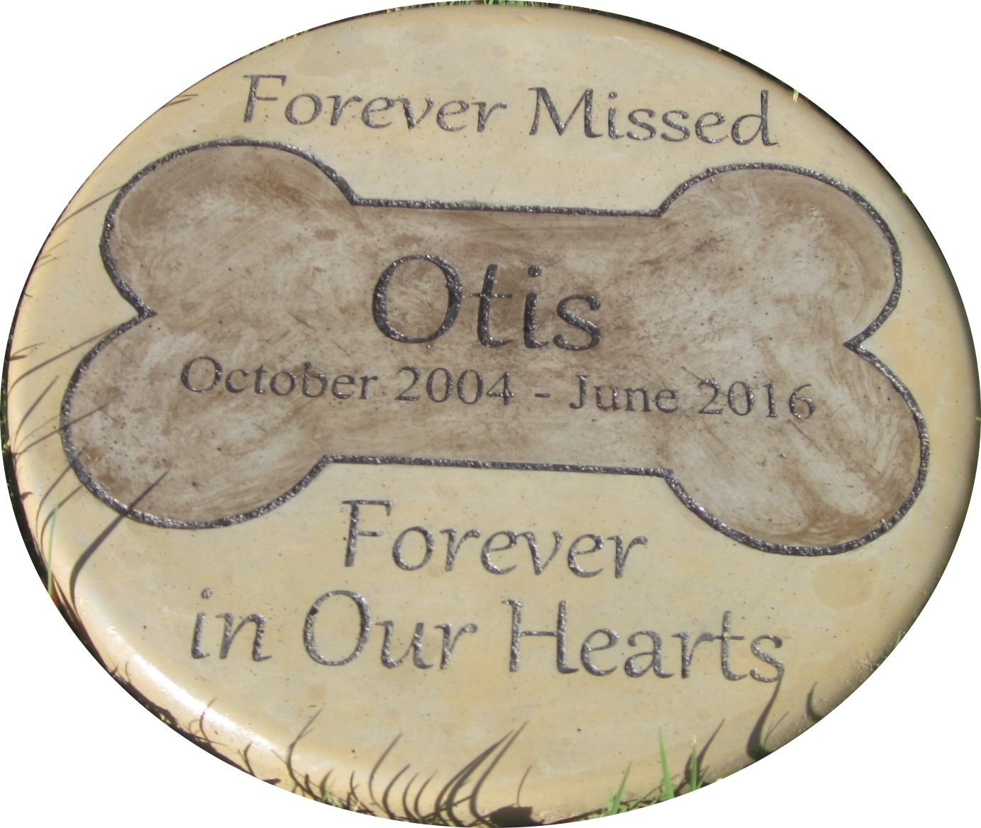 """Personalized Pet Memorial Step Stone 11""""Diameter"""" Forever Missed Forever in Our Hearts"""