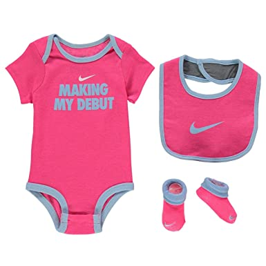 a644aab96 Nike Age 6-12 Months Baby Girls 3 Piece Infant Bib Romper Booties Set Shoes  Pink: Amazon.co.uk: Clothing