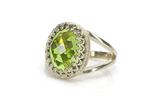 Futuristic Ring Peridot Silver Ring August Ring Openwork Ring Stackable Ring Zodiac Ring Delicate Gemstone Ring Everyday Ring