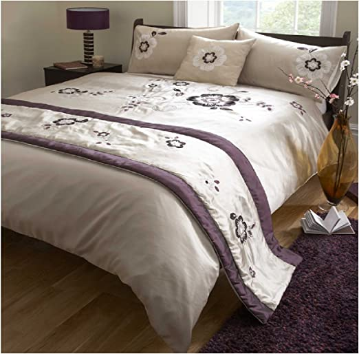 Luxurious 5 Pieces Bed in A Bag Duvet Cover Sets with Runner and Cushion Cover