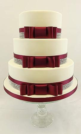 Gâteau De Mariage Avec Nœud De Ruban En Satin Bordeaux