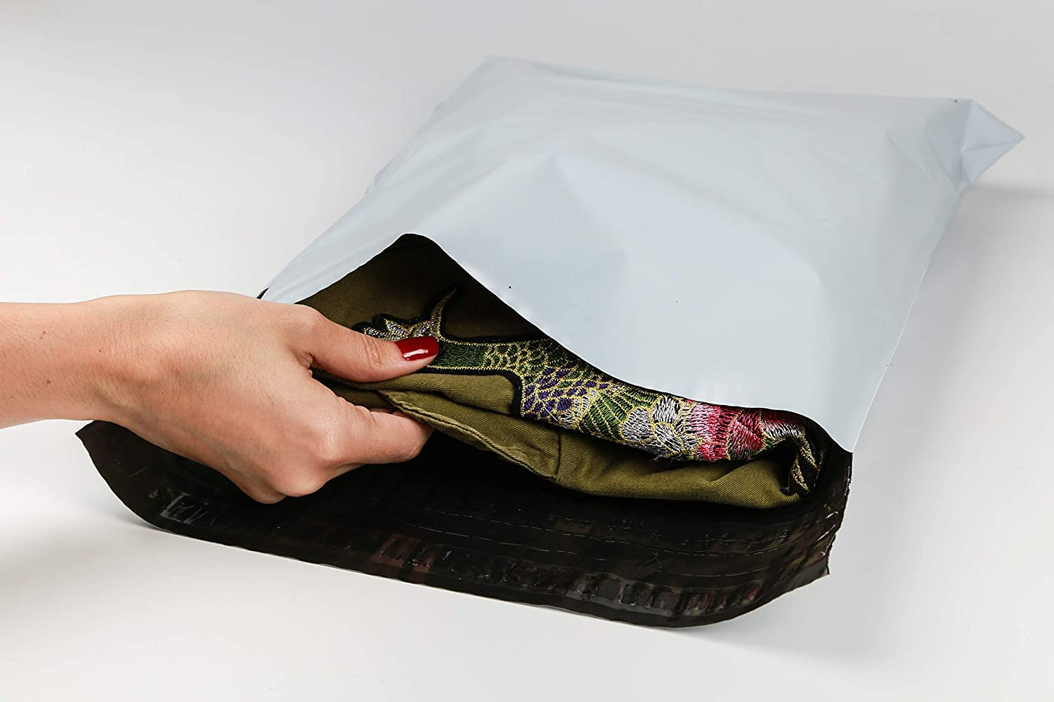 Amazon.com : USPACKSMART Returnable Poly Mailers or Reusable Plastic Mailers for Online Shopping. Opaque Size 12
