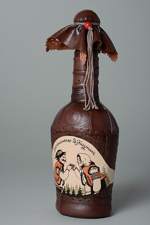 Botella artesanal de vidrio decorada con cuero de color marron ...