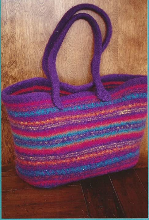 Amazon maggies felt tote fiber trends knitting pattern ac 55 maggies felt tote fiber trends knitting pattern ac 55 make 2 sizes dt1010fo
