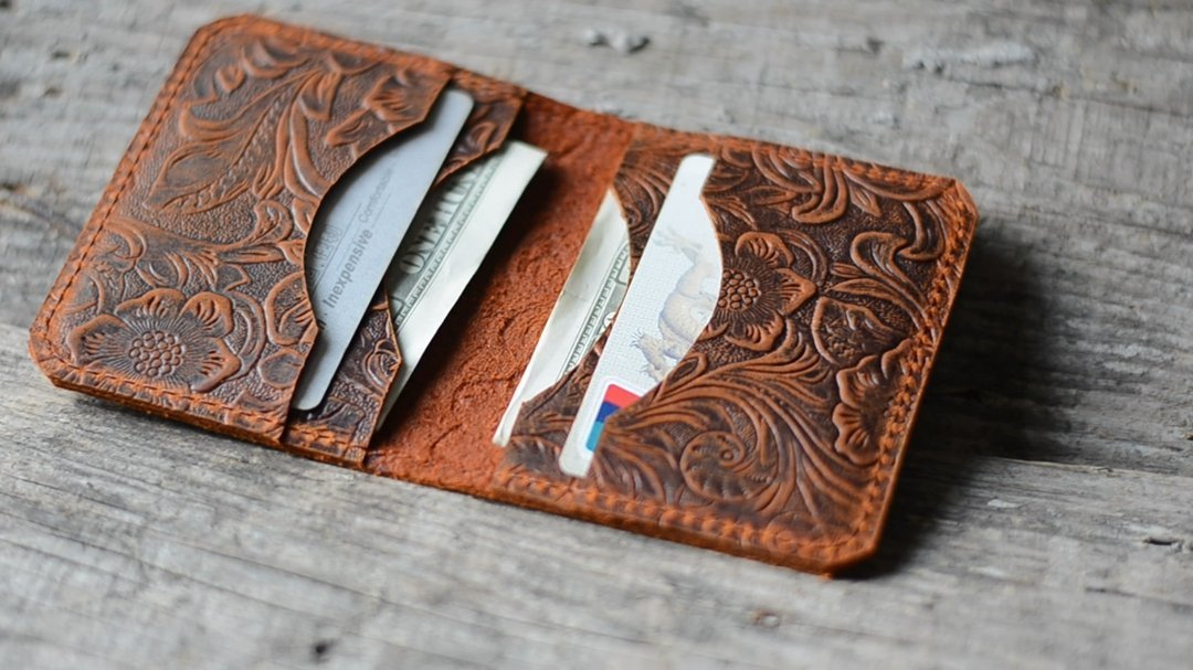 Personalized handmade Minimalist Bifold Wallet, Men's Minimalist Card Holder Distressed Leather Wallet