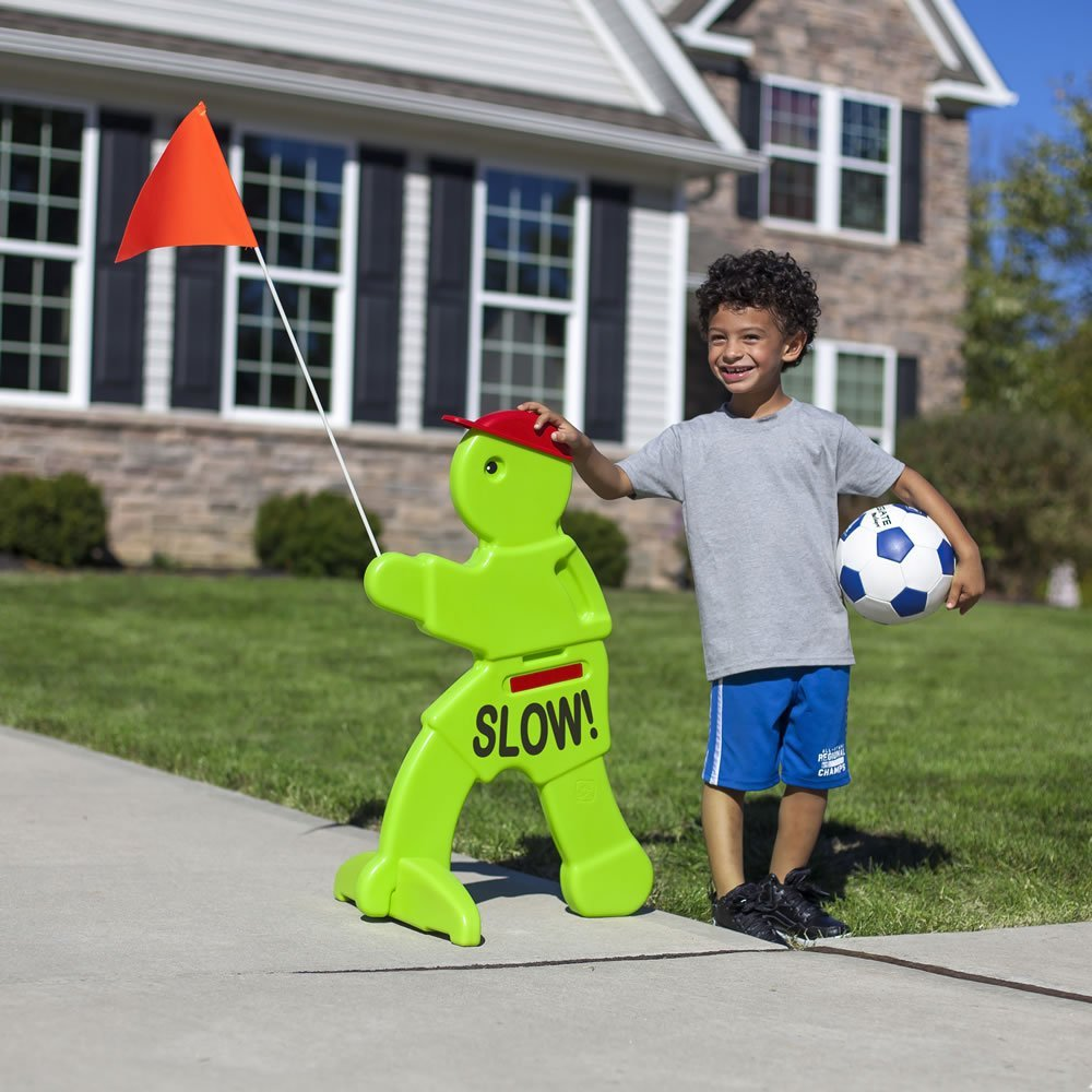 Step2 Kid Alert Visual Warning Signal V.W.S - 32-Inch Caution Go Slow Children At Play Signage - Durable Plastic Outdoor Playtime Safety Signs for Kids with Flag by Step2 (Image #3)