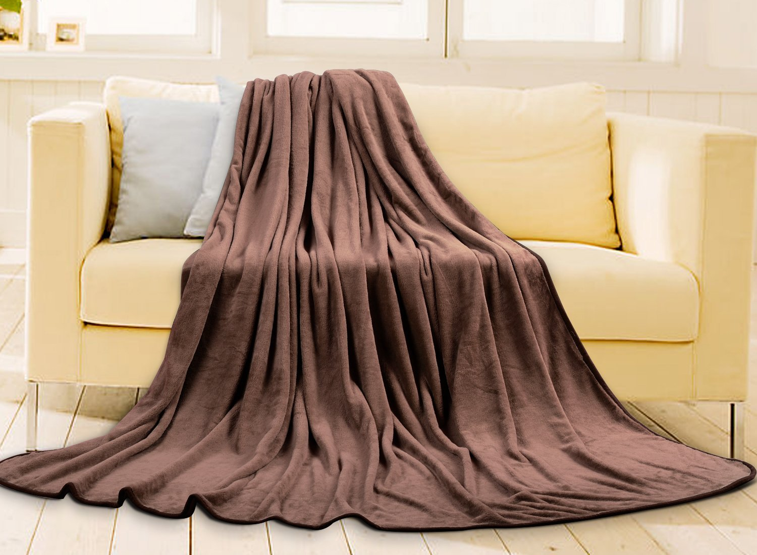 Fleece Blanket Super Soft Warm Fuzzy Lightweight Bed or Couch Blanket Twin/Queen/King Size(King,Brown