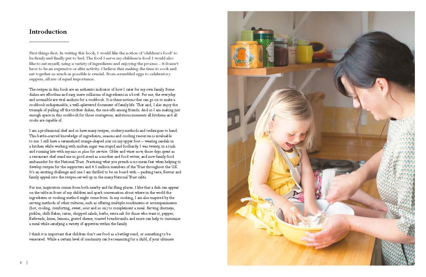 National trust family cookbook national trust food amazon national trust family cookbook national trust food amazon claire thomson 9781911358039 books solutioingenieria Choice Image