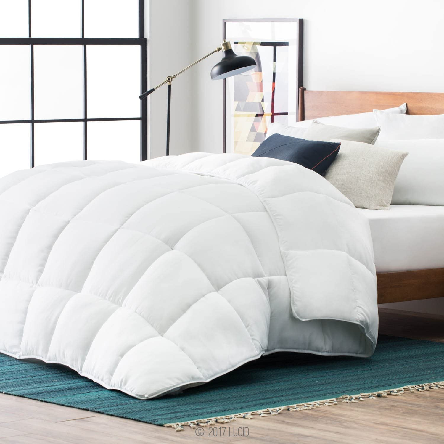 LUCID Alternative Comforter Hypoallergenic-All Season-400 GSM-Ultra Soft and Cozy-8 Duvet Loops-Box Stitched-3 Year Warranty-Machine Washable-Queen, White