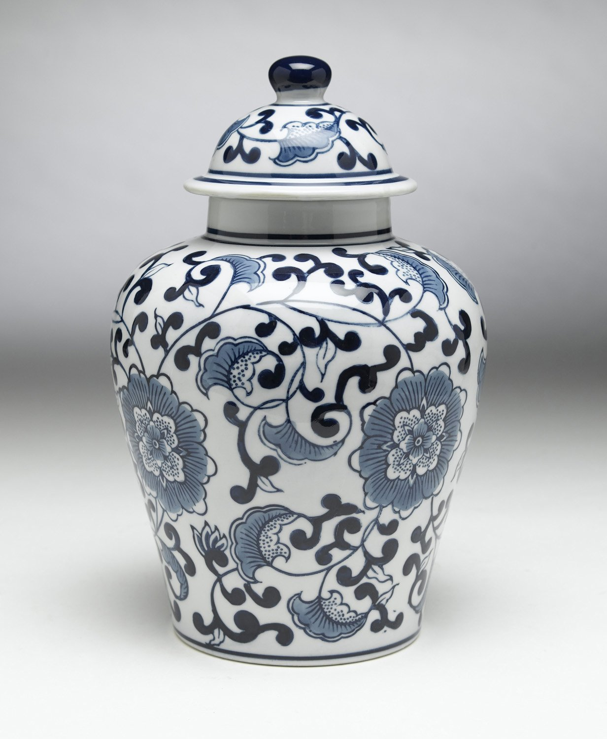 Zeckos AA Importing 59726 Blue and White Ginger Jar with Lid