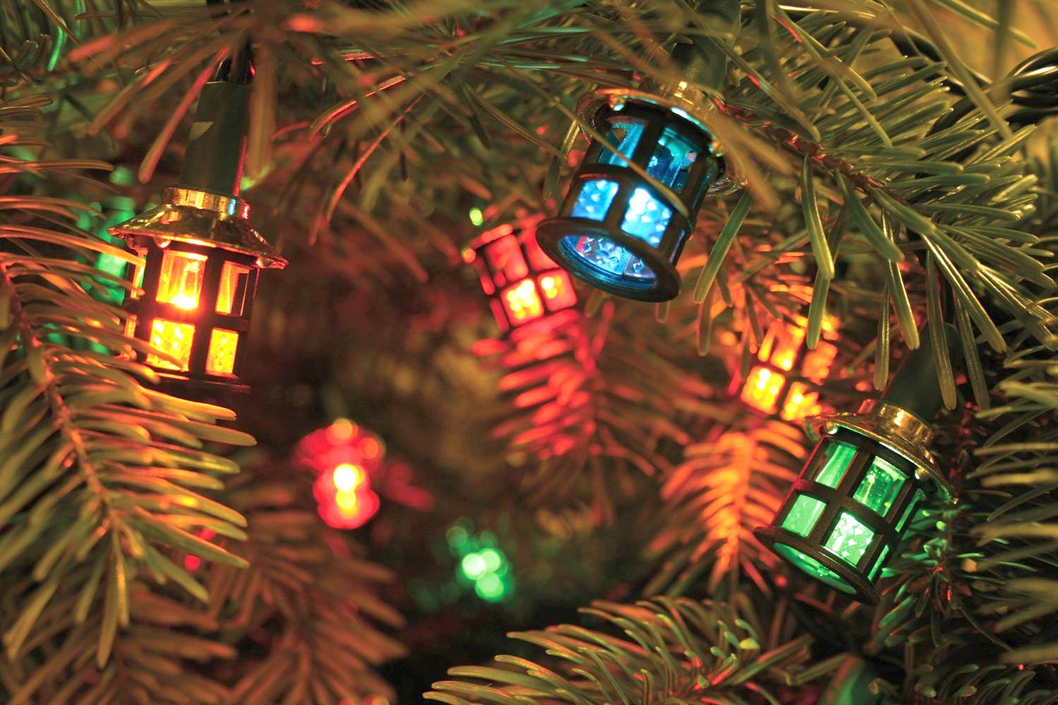 80 LED Coloured Mini Christmas Lantern Lights Decoration Mains Powered Indoor or Outdoor Use Quickdraw