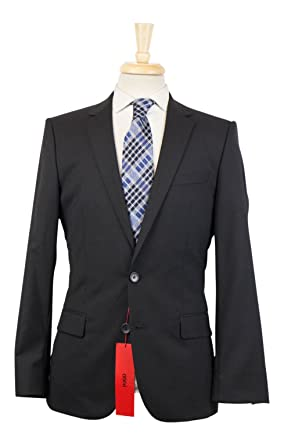 dc24803f4 Amazon.com: Hugo Boss Red Label 'Amaro/Heise' Black Wool 2 Button ...