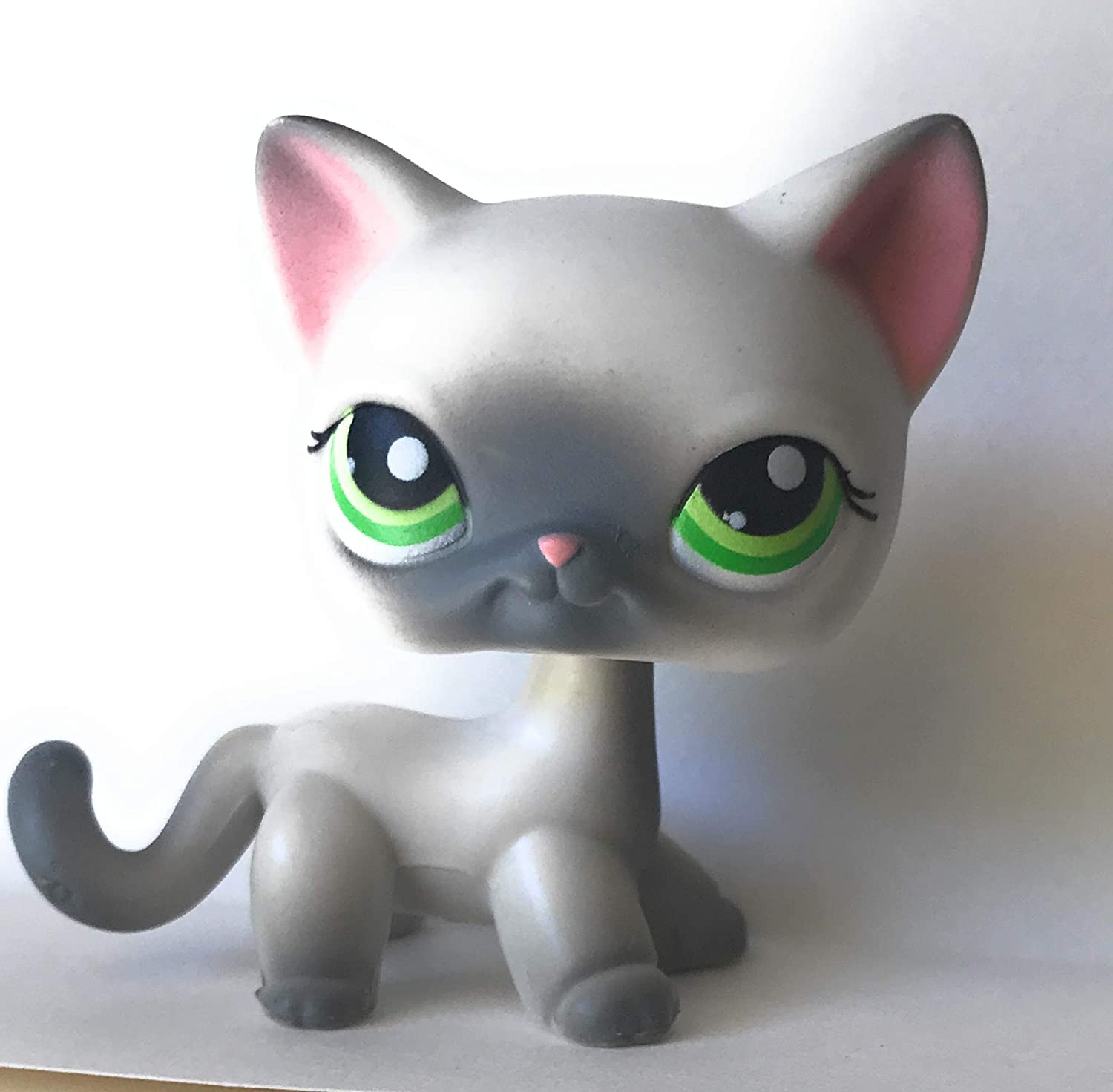 Amazon Com Shorthair Cat 125 White Green Eyes Grey Tips Littlest Pet Shop Retired Collector Toy Lps Collectible Replacement Single Figure Loose Oop Out Of Package Print Toys Games