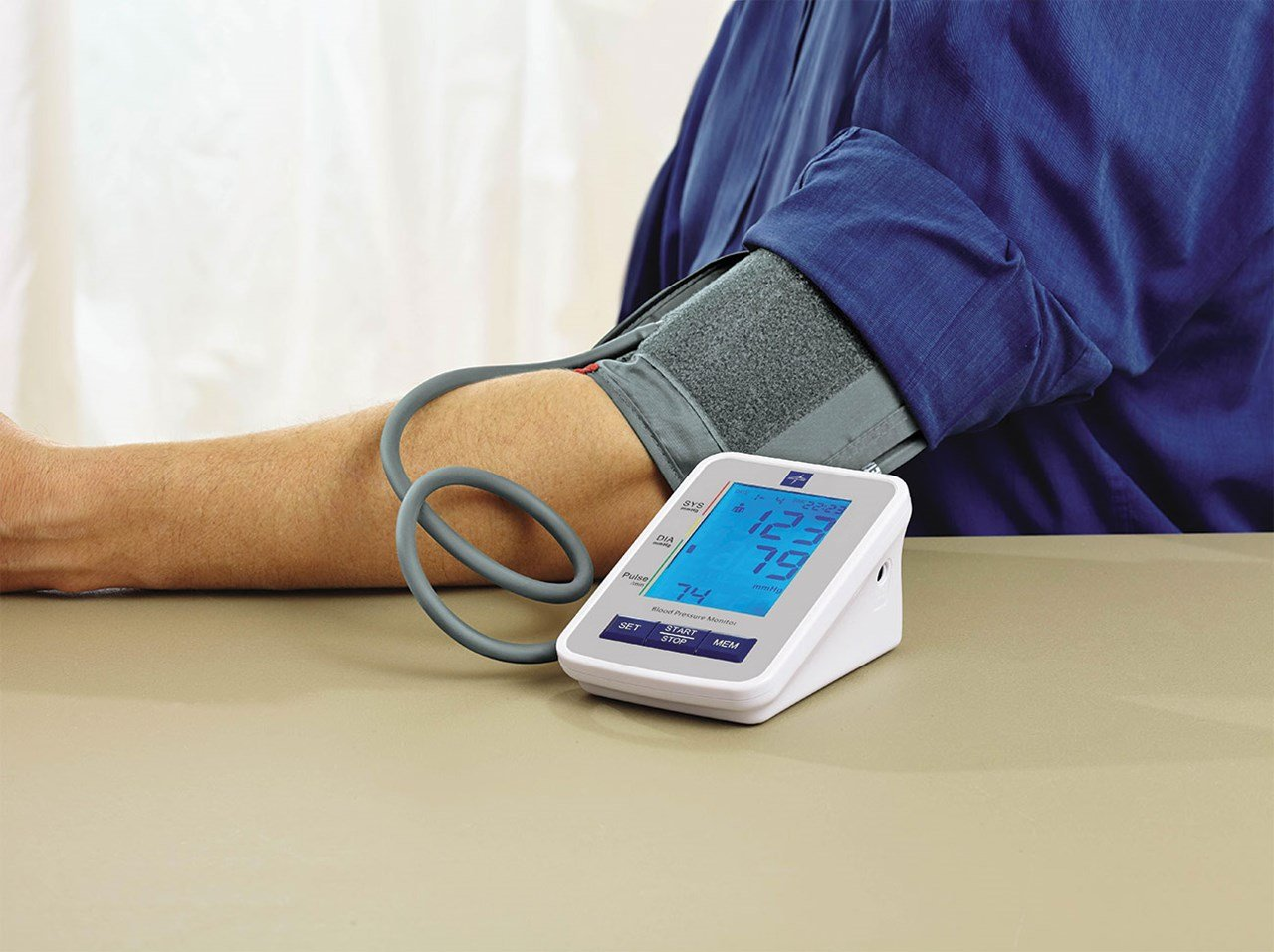 Talking Blood Pressure Monitor - Large Adult Cuff - English + Spanish by MaxiAids