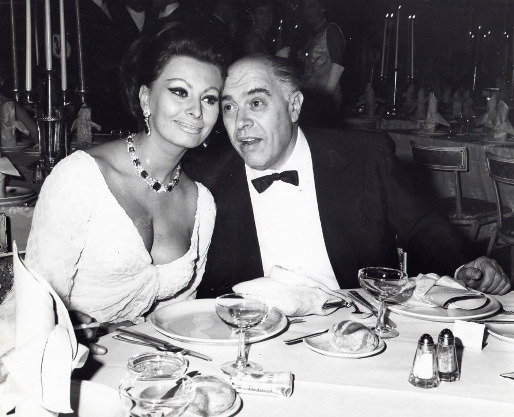 Amazon.com: Sophia Loren with husband Carlo Ponti Photo Print (10 x 8):  Posters & Prints