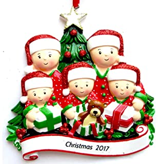 Amazoncom Pajama Family of 5 Personalized Christmas Tree