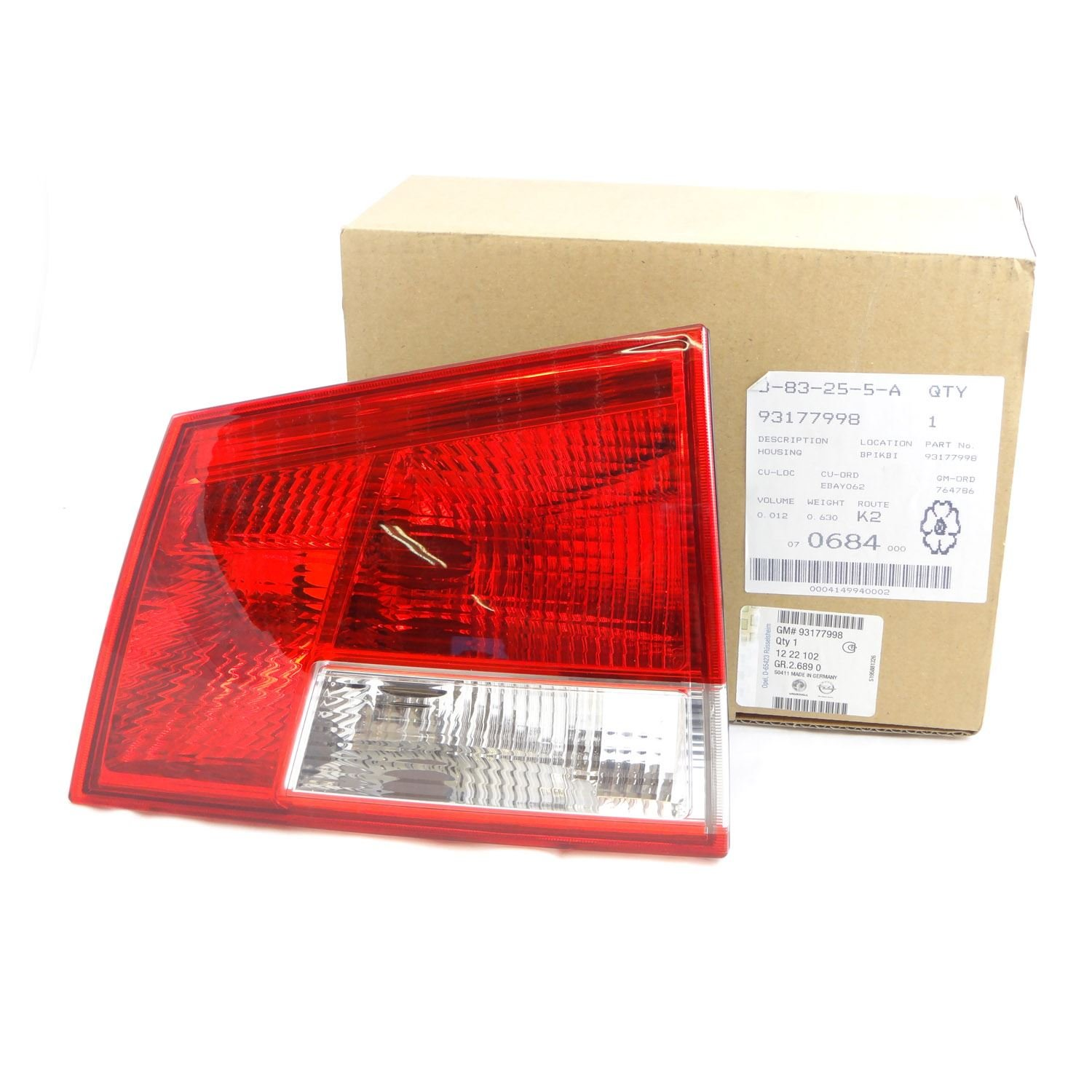 VAUXHALL VECTRA C DRIVERS SIDE REAR TAIL LIGHT 2002-2008