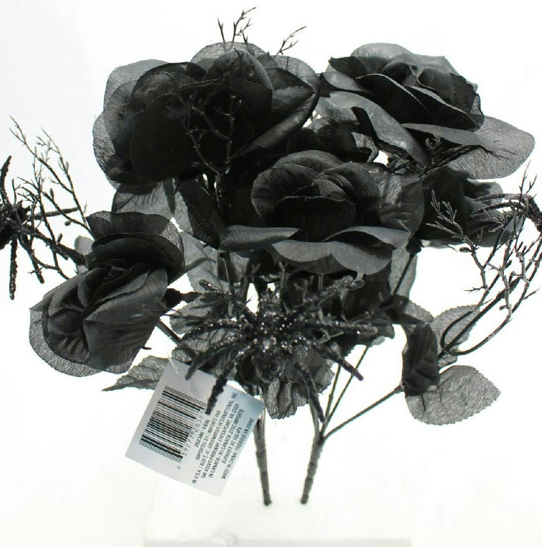 Bouquet of Black Artificial Roses - Halloween Decoration