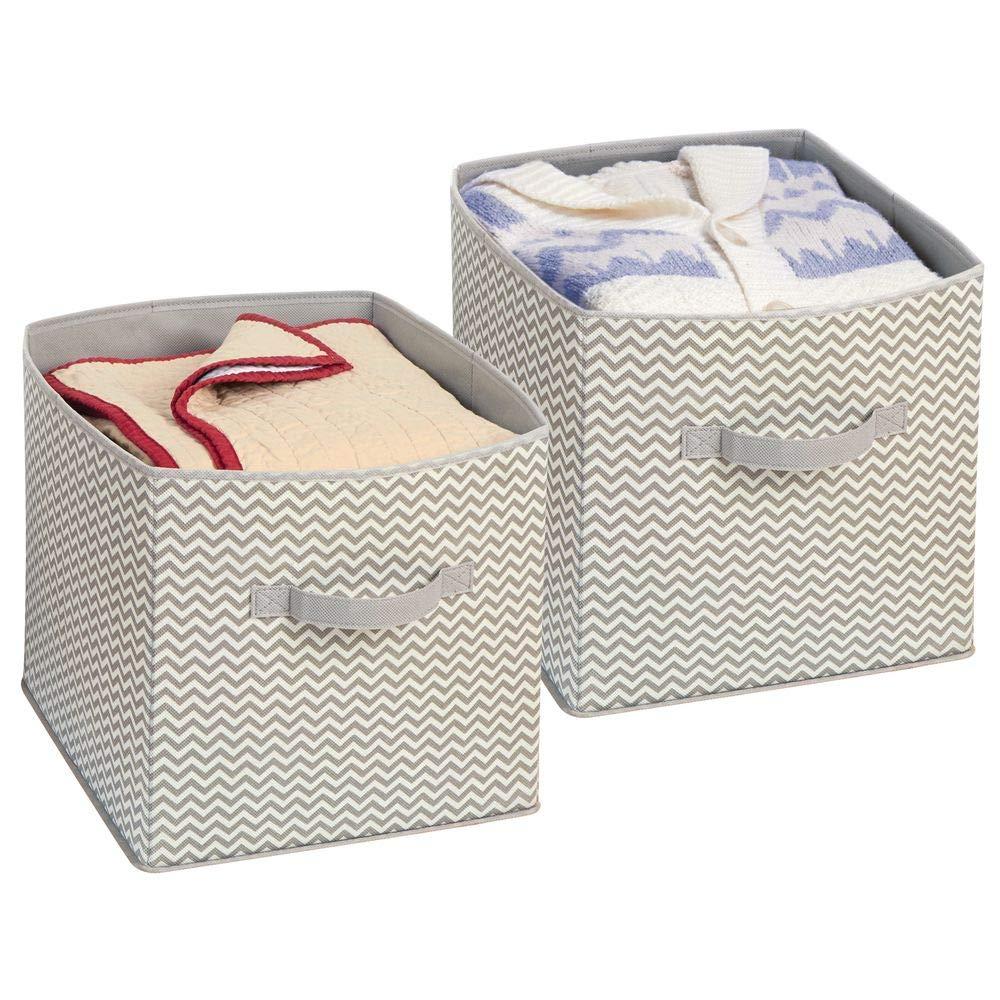 mDesign - Cubo organizador para armario, de tela Chevron; para juguetes, pulóveres, accesorios - Juego de 2 - Gris topo/natural: Amazon.es: Hogar