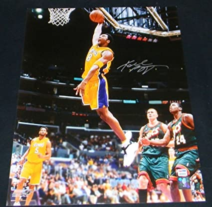 Kobe Bryant Signed Los Angeles Lakers 16x20 Dunk Photo Psa Dna at ... 7a3c822fe